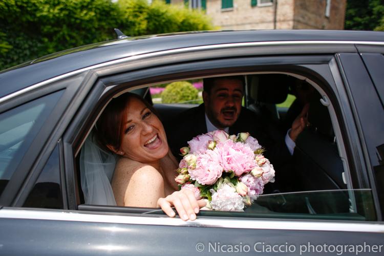 arrivo sposi a Villa Calciati presso Persico Dosimo.