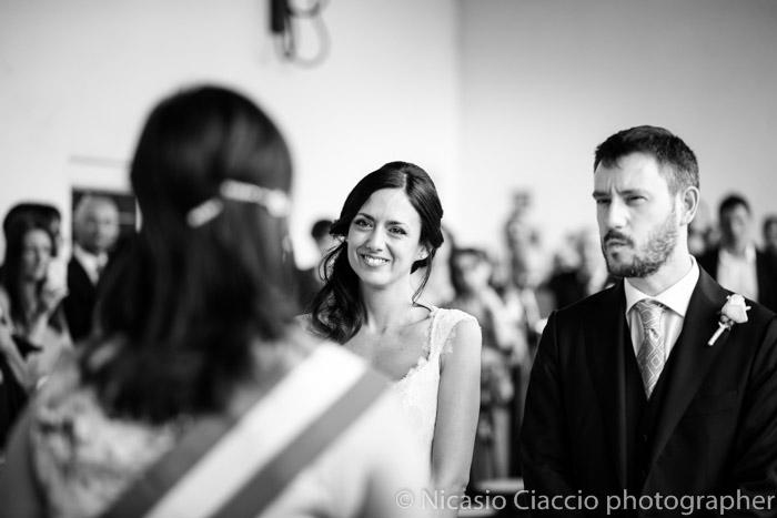 ritratti sposi durante la cerimonia