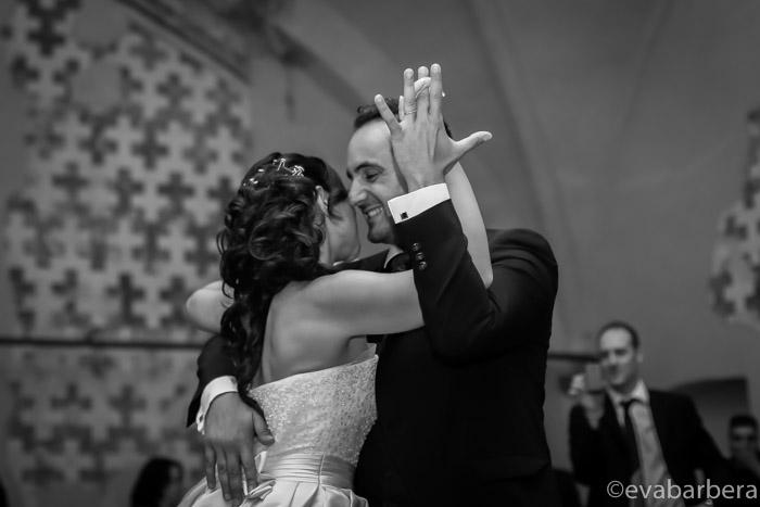 sposi che aprono le danze
