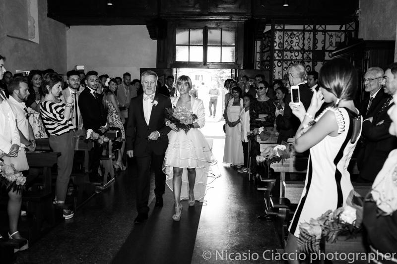 Ingresso sposa in chiesa presso Santuario della Madonna di Rezzano (Truccazzano)