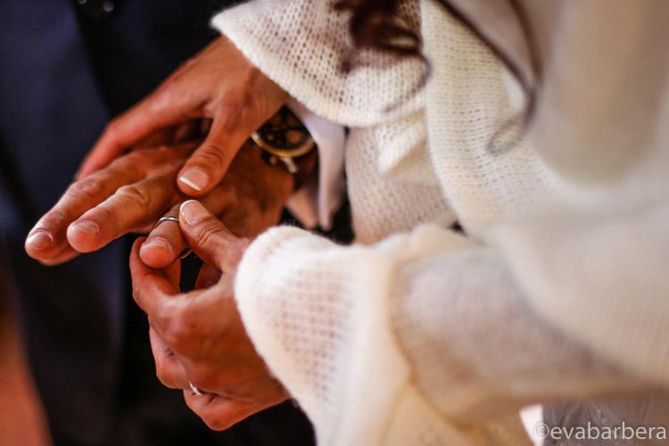 particolare scambio degli anelli