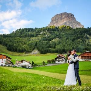 Matrimonio sulle dolomiti, a Colfosco alta val badia, fotografo di matrimonio