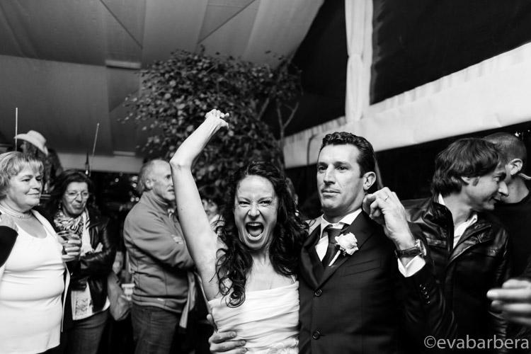 gioia della sposa durante balli