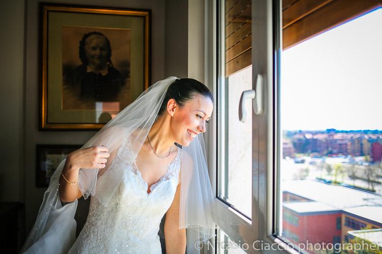 Sposa alla finestra-matrimonio-villa-acquaroli-2