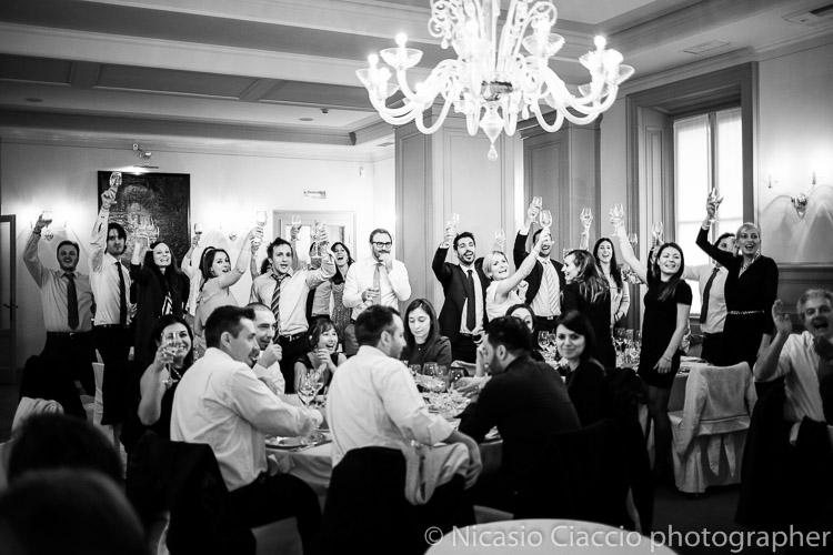 Brindisi invitati sposi matrimonio-villa-acquaroli