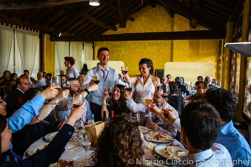 foto brindisi sposi matrimonio-Milano