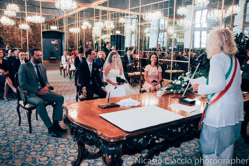 matrimonio-Milano-sposi nel palazzo reale milano sala degli specchi
