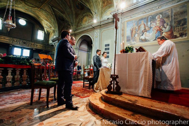Sposi all'altare -Matrimonio Molino Santa Marta-2