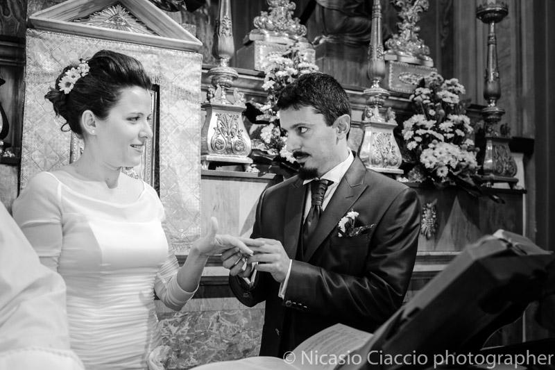 Scambio anelli -Matrimonio Molino Santa Marta-2