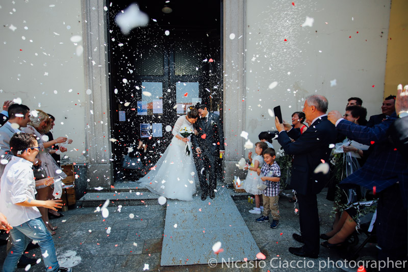 Lancio del sito coriandoli e petali su gli sposi-Matrimonio Molino Santa Marta-2