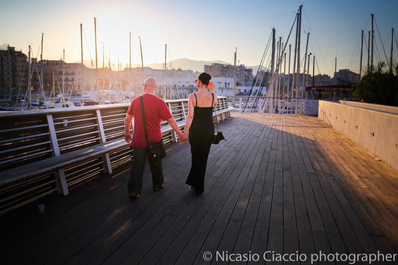 scatti presso la cala di Palermo, ritratti di coppia durante un reportage pomeridiano