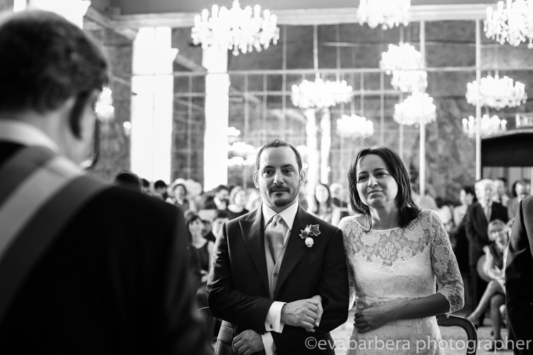 Sposi durante la cerimonia prezzo Palazzo reale sala degli specchi - foto matrimonio milano officine del volo