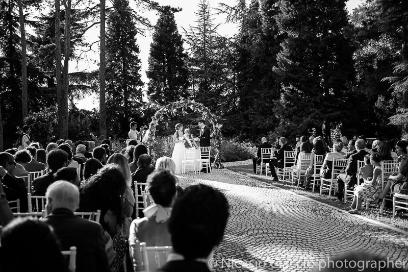 foto matrimonio tenuta pegazzera rito civile in esterna sul prato