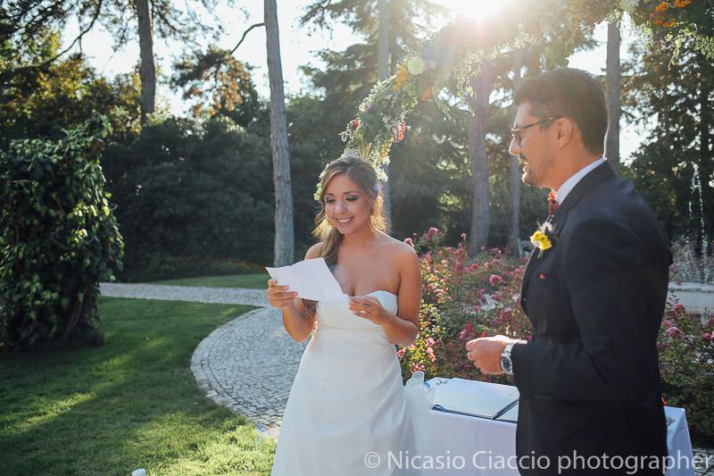 Lettura promesse sposi presso tenuta Pegazzera rito civile