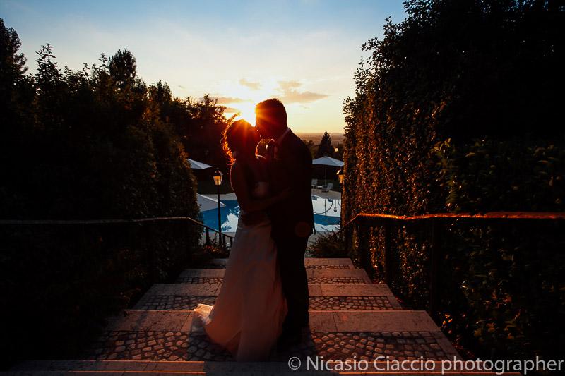 ritratto sposi in controluce