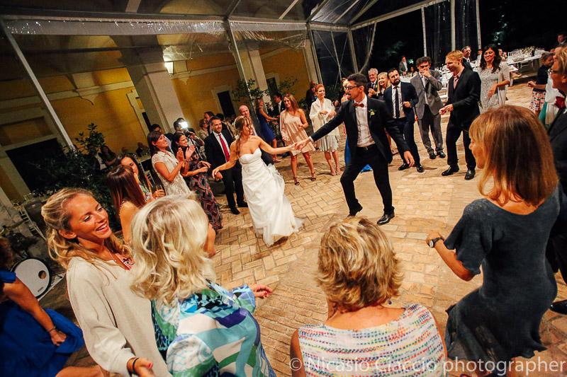 Apertura delle danze degli sposi matrimonio tenuta pegazzera