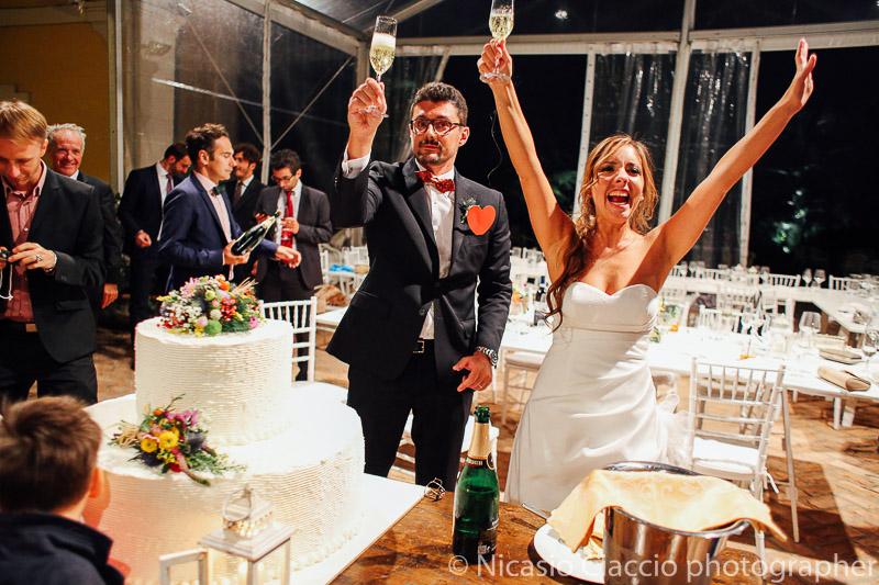 Brindisi finale degli sposi matrimonio tenuta pegazzera