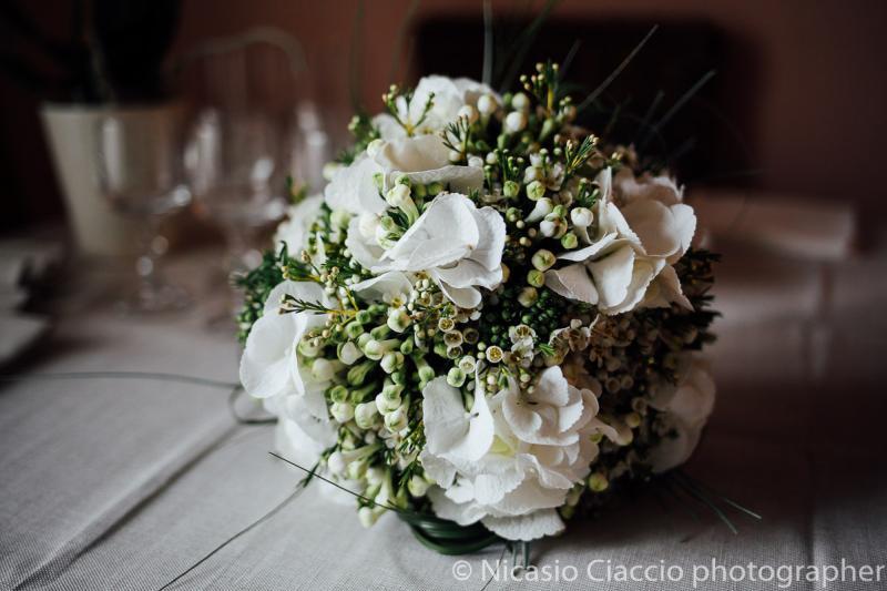 Bouquet Sposa ortensia bianca
