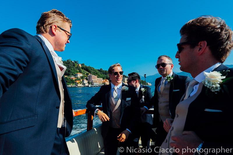 Sposo raggiunge villa del Balbianello in barca sul Lago di Como (2)