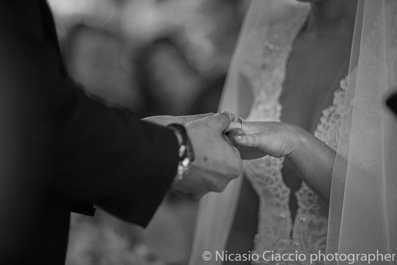 Foto nozze particolare anello Matrimonio Lago di Como (9)