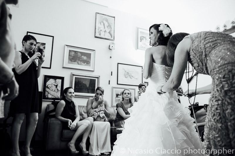 ultimi preparativi della sposa prima di andare