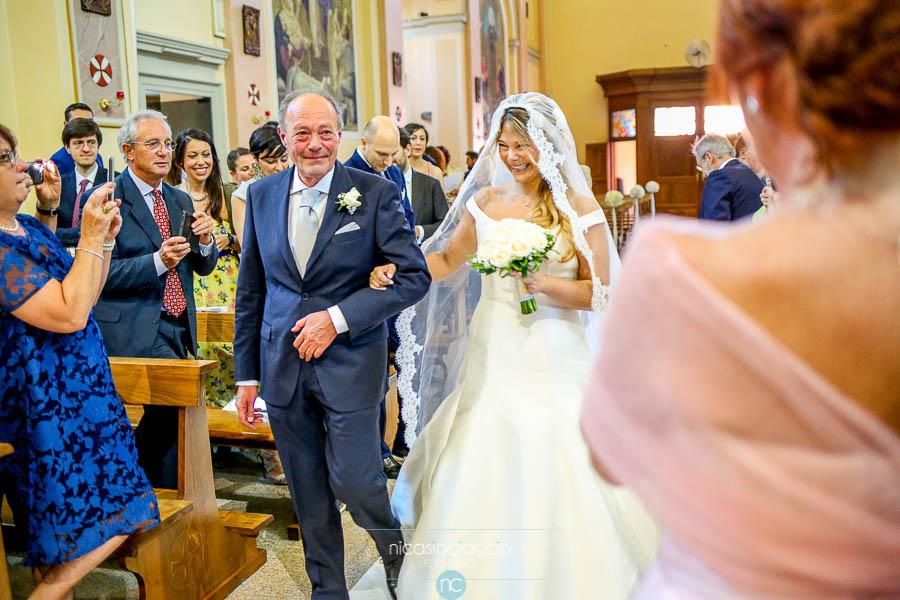 arrivo sposa all'altare