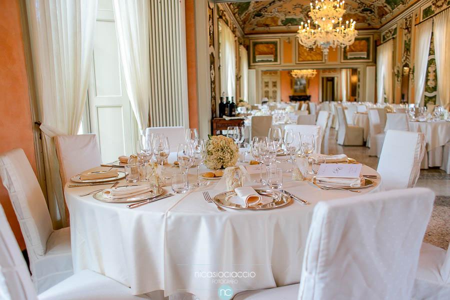 Matrimonio a villa Orsini Colonna, sala interna allestita