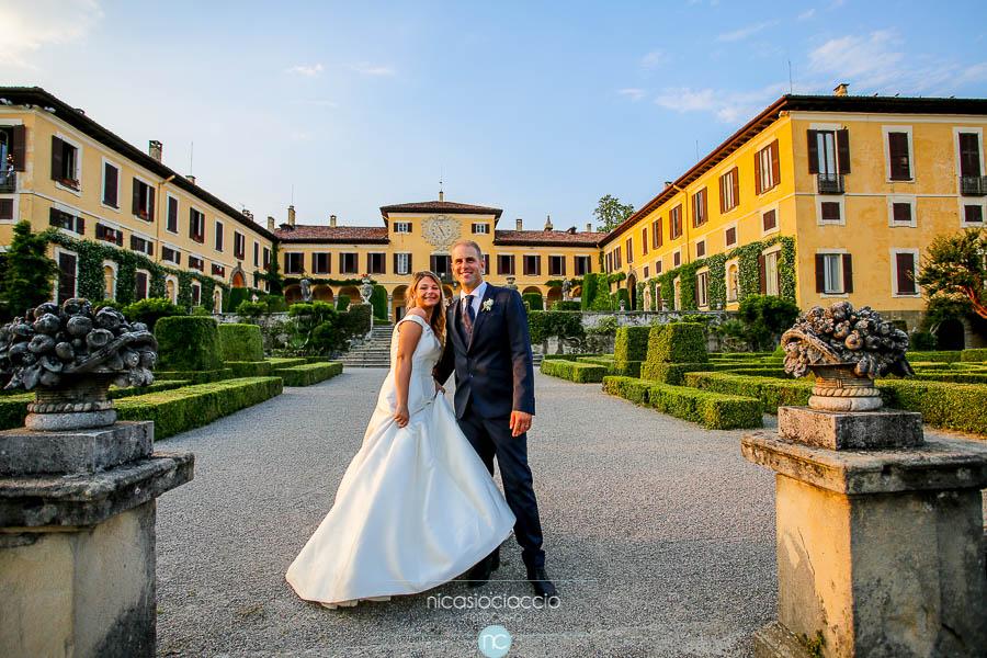 Matrimonio a villa Orsini Colonna, Imbersago, Milano,  ritratto degli sposi
