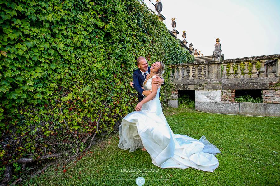 Matrimonio a villa Orsini Colonna ritratto in giardino
