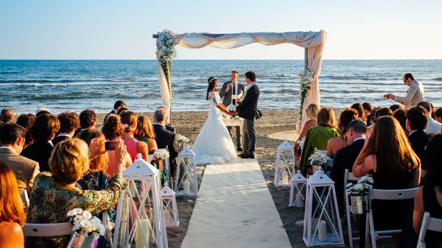 Matrimonio In Spiaggia Europa : Matrimonio in spiaggia versilia al tramonto