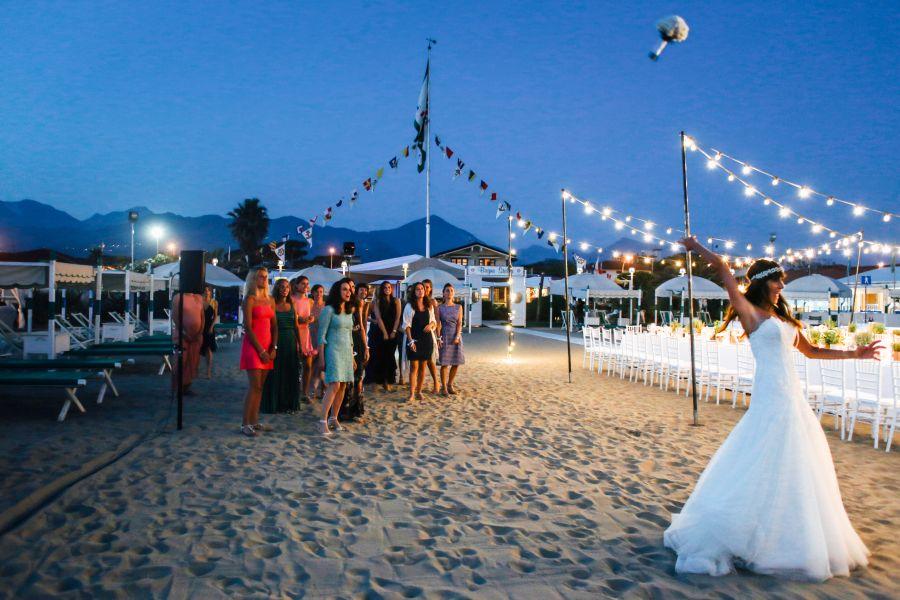 Matrimonio In Spiaggia Forte Dei Marmi : Matrimonio esclusivo ai bagni annetta a forte dei marmi in toscana
